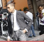 Standing By Her Man! Chris Brown Shows Up To Court with Girlfriend Rihanna