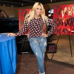 Music Alert: Tamar Braxton Received By Long Lines Of 'Tamartians'