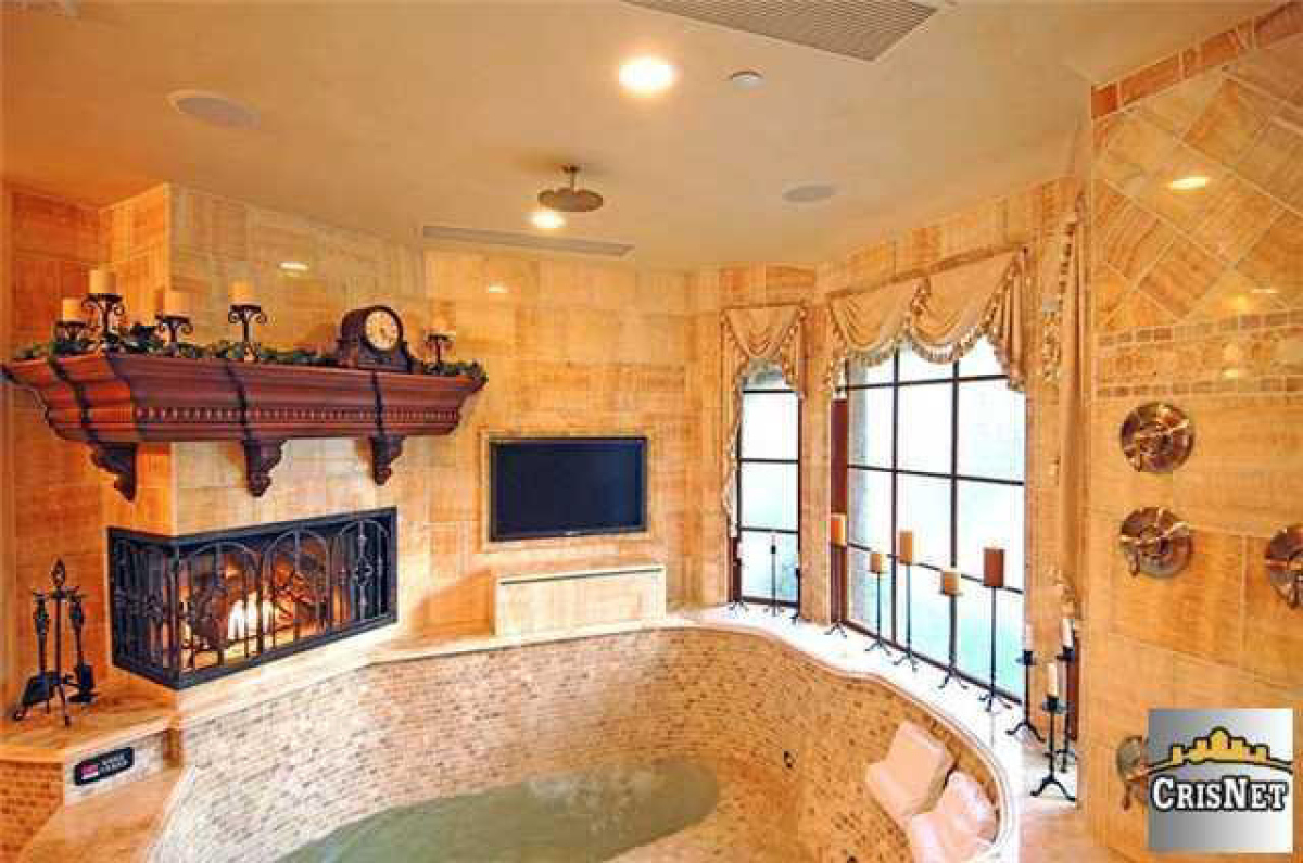 Drake house master bath hip hop enquirer magazine llc for House bathroom photos