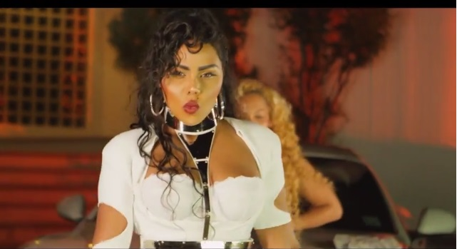 "Hip Hop Beef? Lil Kim Goes For Nicki Minaj's Throat in ""Flawless"" Remix"