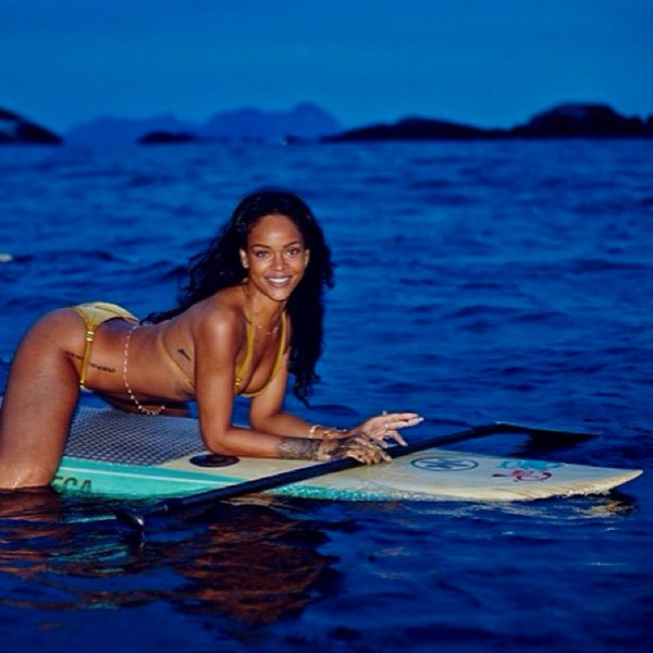 rihanna-bikini-pics-brazil9