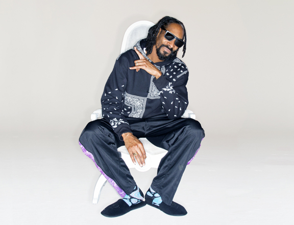New Video Alert: Rapper Snoop Dogg Stars in Old Navy Commercial