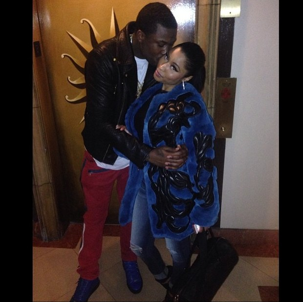 nicki-minaj-and-meek-mill-pda