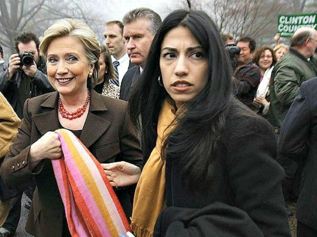 Huma-Abedin-with-Hillary-Robyn-BeckAFPGetty-640x480